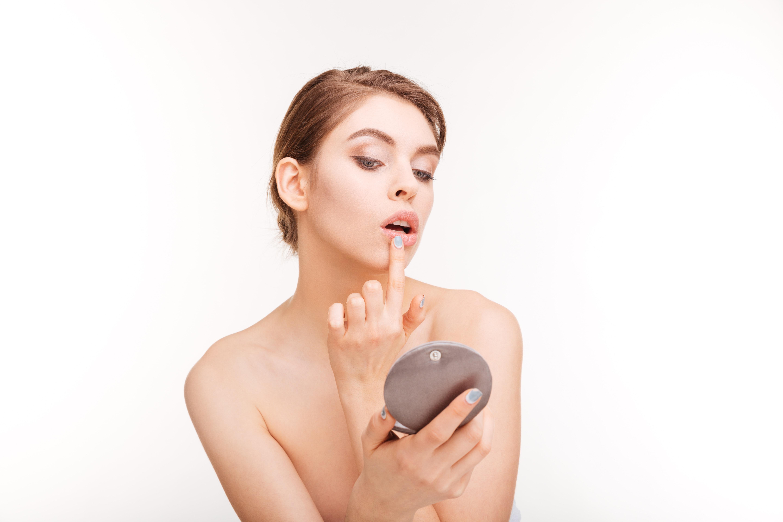 O Herpes pode ocorrer tanto nos lábios como nos órgãos genitais