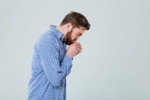 Em casos mais graves a tuberculose pode provocar sangramento ao tossir