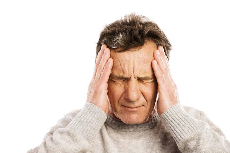 A dor de cabeça é um dos principais sintomas do Acidente Vascular Cerebral