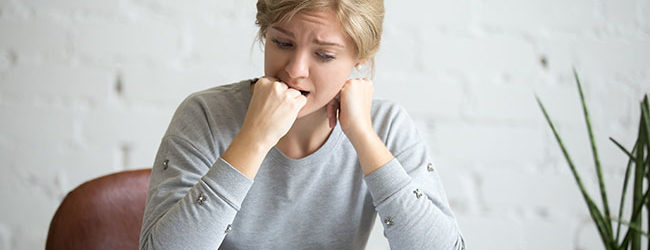 A ansiedade pode surgir durante o período de prova, antes de uma entrevista de emprego ou em qualquer momento que tenha uma grande importância para a pessoa