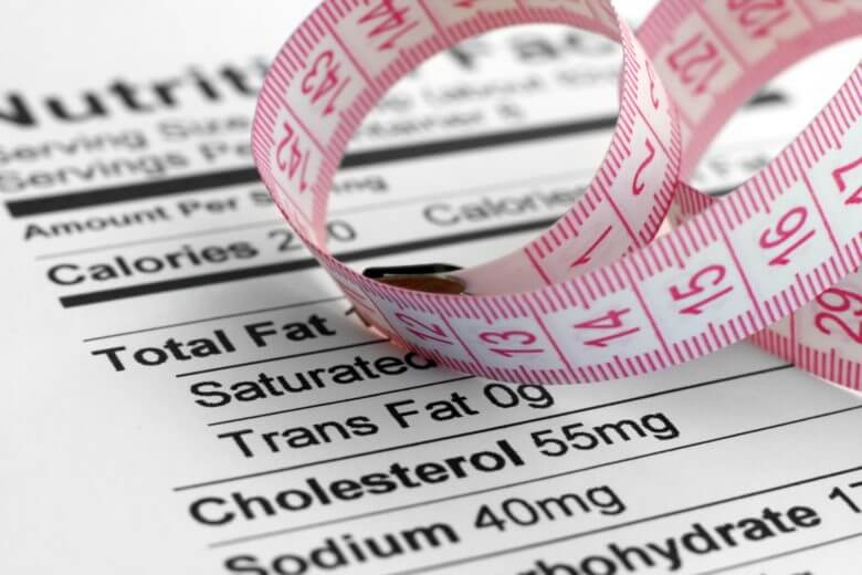 É sempre importante observar as taxas de colesterol na tabela nutricional dos alimentos.