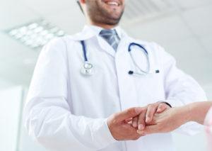 As alergias na pele e no nariz devem ser cuidadas por um alergologista.